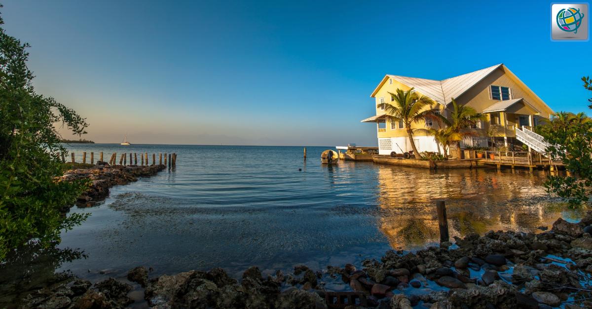 #Utila es la más pequeña de las islas que conforman el departamento de Islas de la Bahía, en el Caribe hondureño ✈