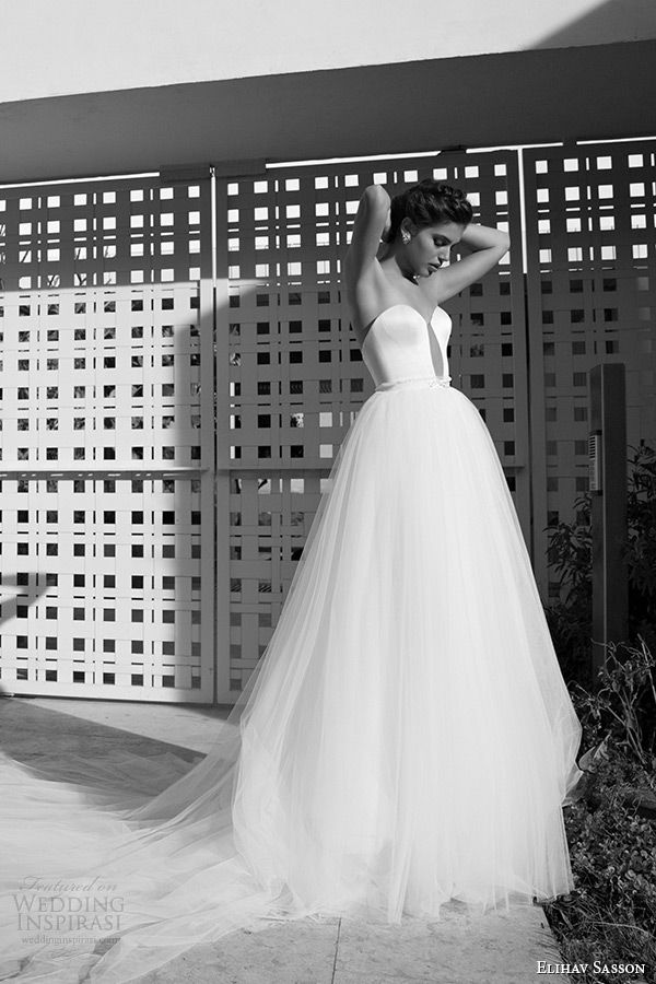 Elihav Sasson Wedding Dress 2015 Strapless Sweetheart Neckline Keyhole Front Clean White Tulle Bridal Ball Gown