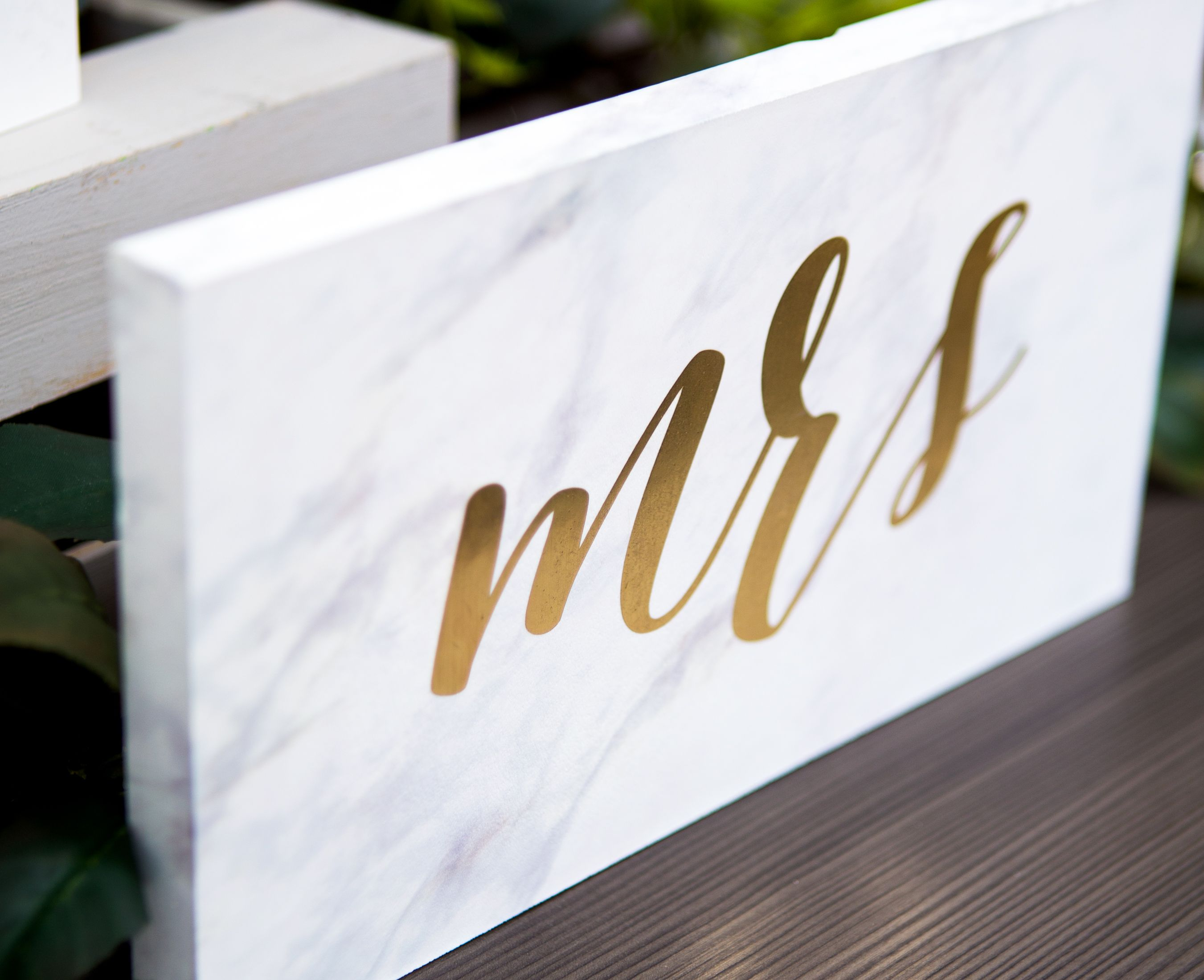 Marble Style Signs With Gold Or Copper Metallic Mr &