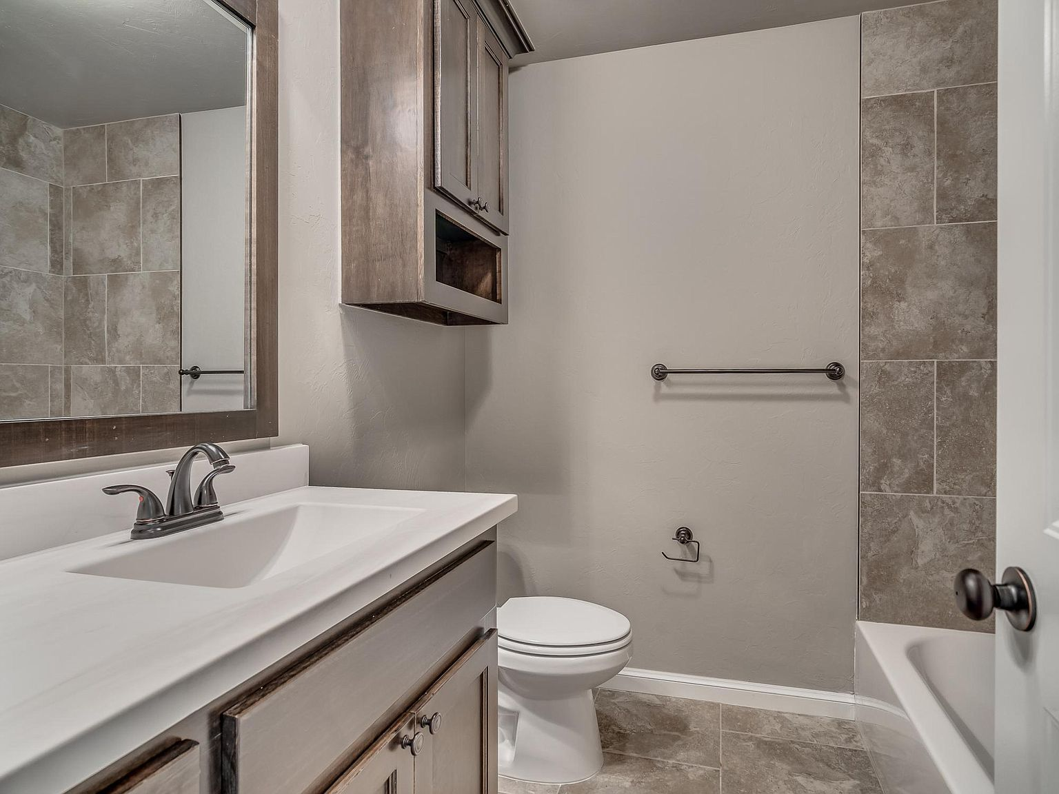 Talk Of The Most Experienced Bathroom Remodeling Contractors In Los Angeles Ricci Remodeling Can T Bathroom Remodeling Contractors Bathrooms Remodel Bathroom