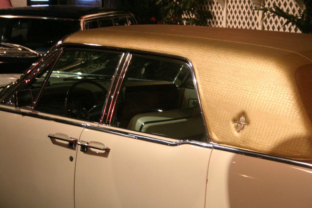 Elvis Presley S 1962 Lincoln Continental Lincoln Continental Elvis Elvis Presley
