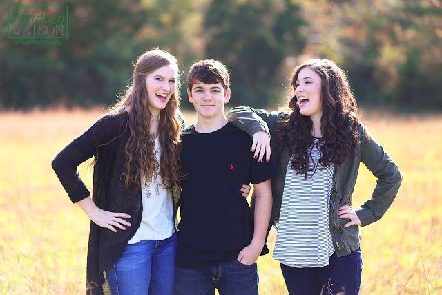 lindseyfaith photograhy; Central Arkansas Photographer; Family Photographer; Family Portraits; Senior Portaits