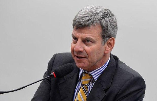A CPI da Petrobras ouve o depoimento de  Auro Gorentzvaig, acionista da Petroquímica Triunfo (Foto: Antonio Cruz/Agência Brasil)  http://w500.blogspot.com.br/
