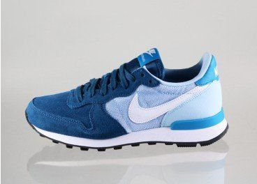 official photos 08409 3a2f3 Nike wmns Internationalist (Blue Force   White - Ice Blue - Black)