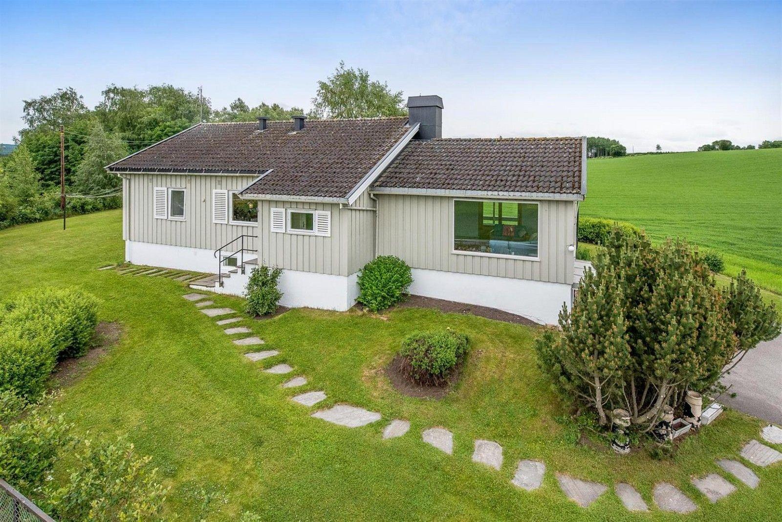 FINN – Romedal - Lys og pen bolig på flott tomt - Nytt bad