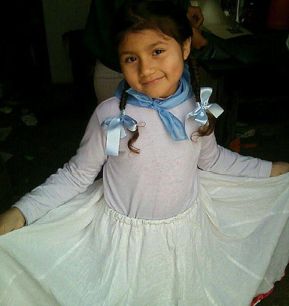 34ef57e0a paisanita recuerdito (Maia)mi primer acto escolar un 25de Mayo por Luján bs  as Argentina