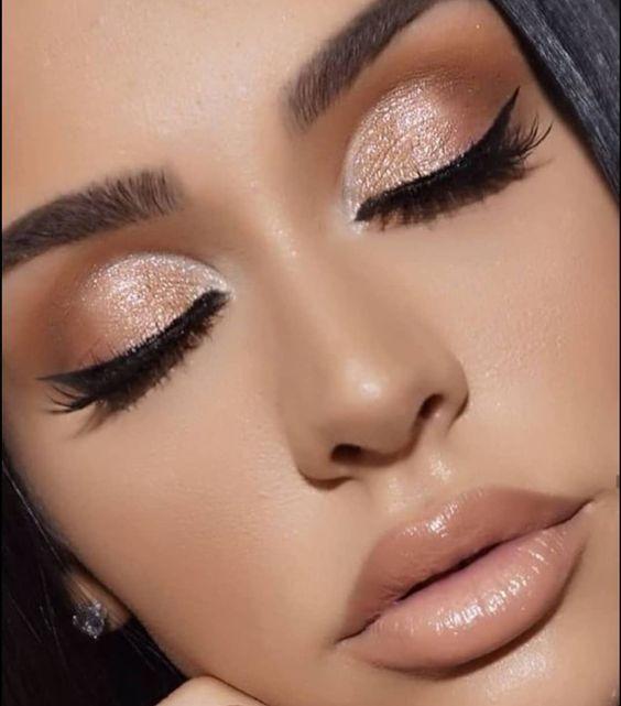 40+ Shimmery Eyeshadow Look Ideas #eyeshadowlooks