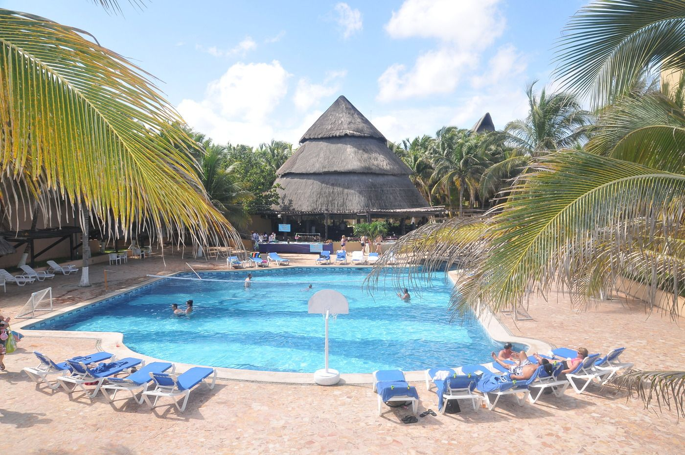 Getaway In Vip Style At The All Inclusive Reef Club Beach Resort With Open Bar And Traditional Mexican Snack Buffet Children 5 Under Are Free