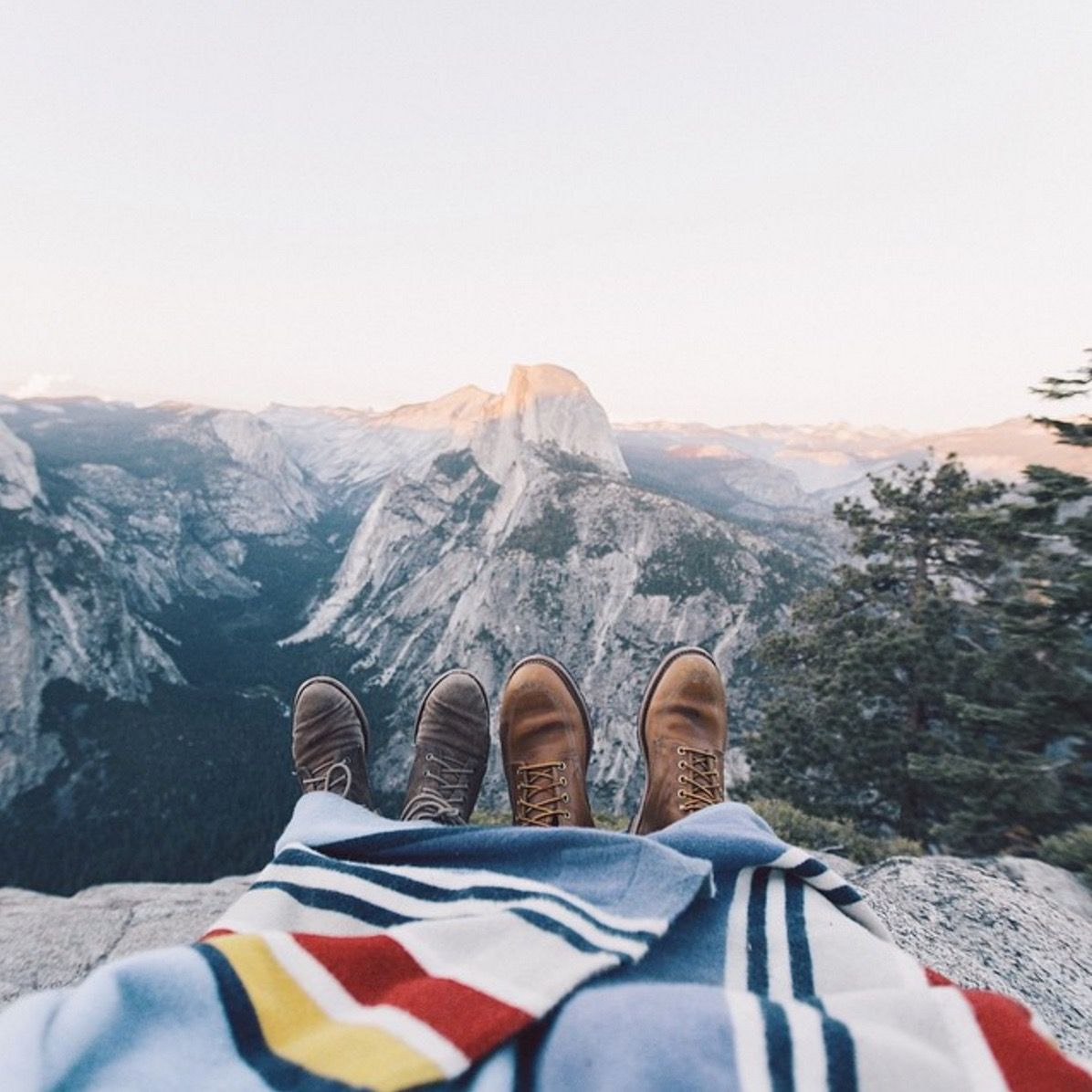 5 Essentials for the Perfect Camping Trip - The Everygirl