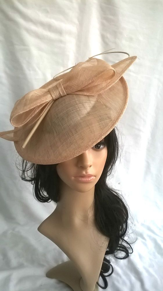 695471123552 NEW NUDE SINAMAY & FEATHER LARGE BOW TRIM FASCINATOR HAT... Wedding..races...  in Clothes, Shoes & Accessories, Women's Accessories, Fascinators &  Headpieces ...
