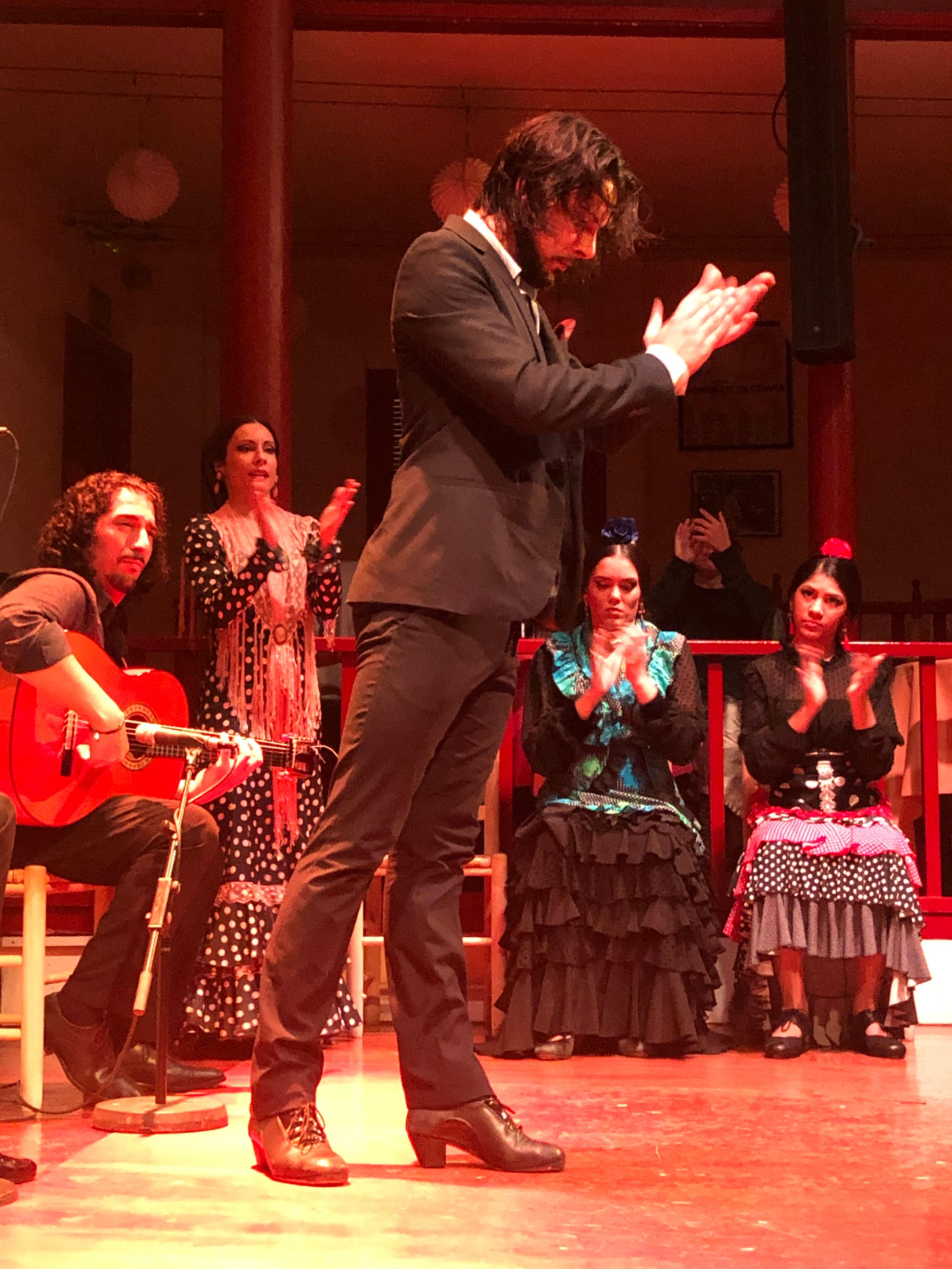 Flamencura Flamenca En El Tablao De Carmen Barcelona Flamenco Barcelona Tablao Flamenco