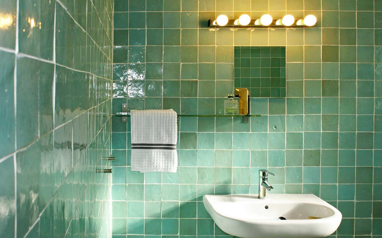 Carreaux zellige  Zellige salle de bain, Salle de bain, Carreaux