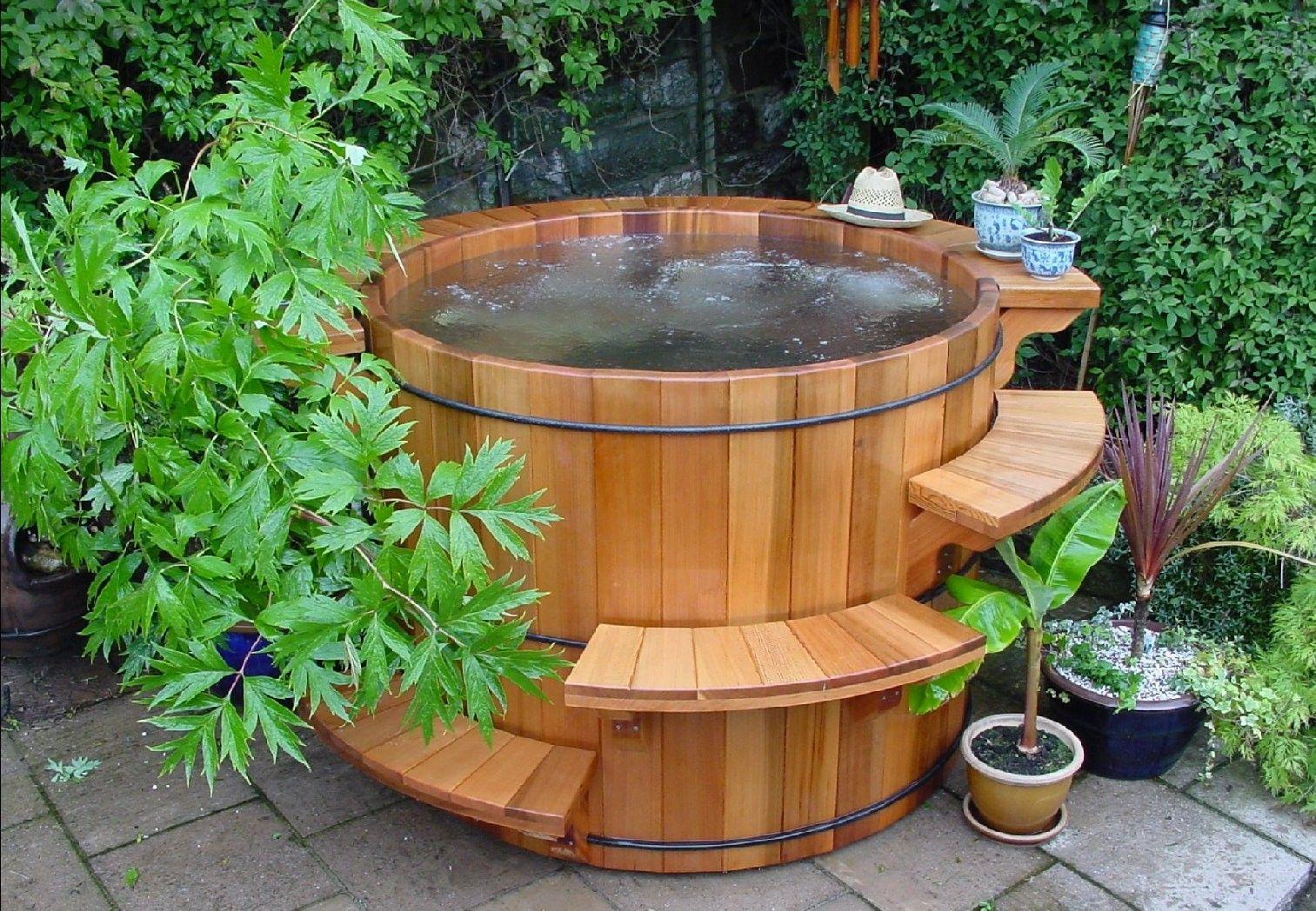 Wood Hot Tubs And Barrel Hot Tubs Cedar Hot Tub Hot Tub Garden