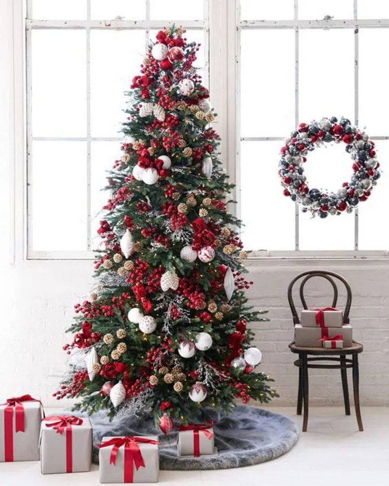 25 nostalgic christmas tree & family room ideas 8 ...