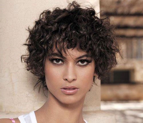 Top frange sur cheveux courts bouclés - Google Search | thème : hair  LW57