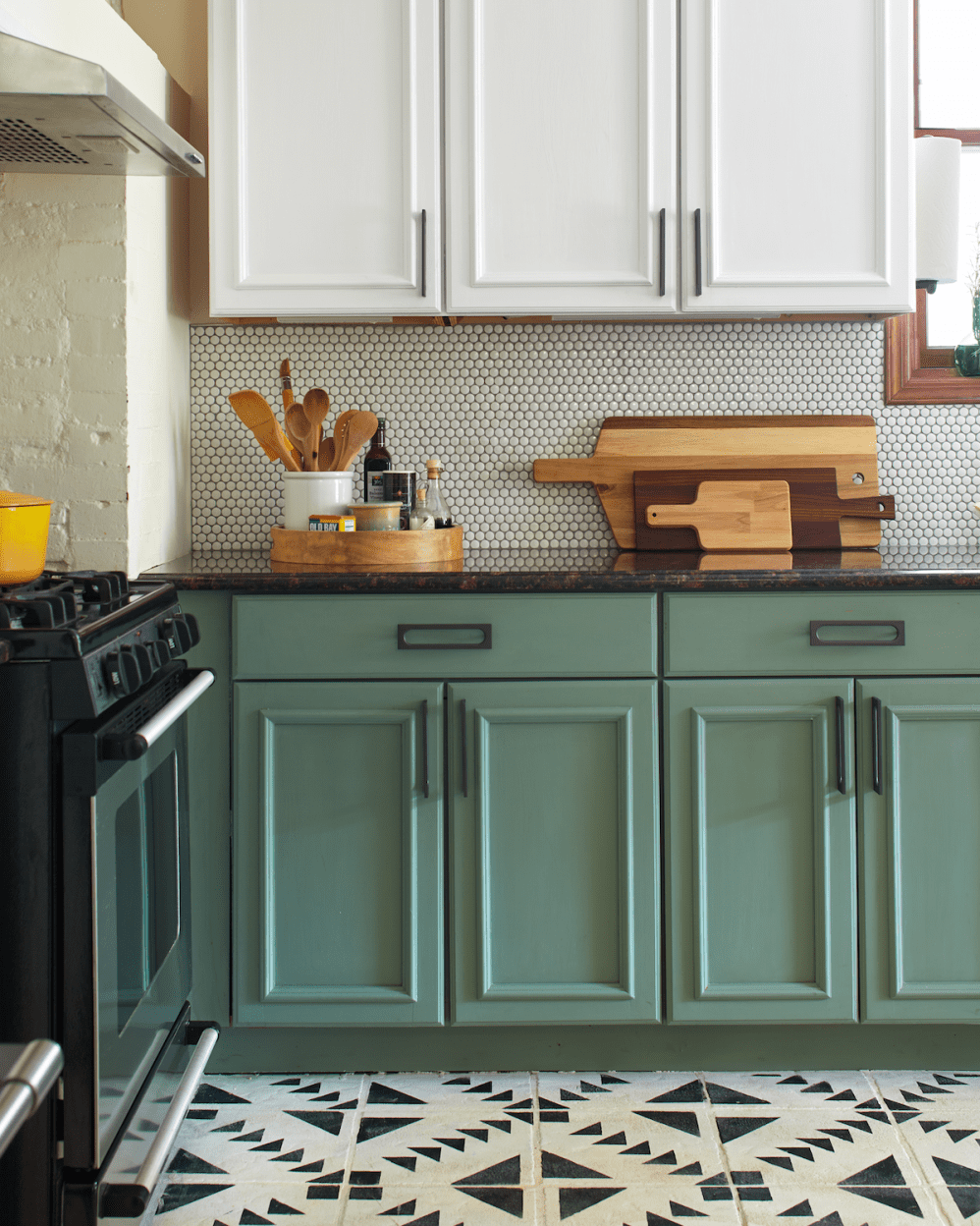 I Painted My Entire Kitchen with Chalk Paint in 2020 ...