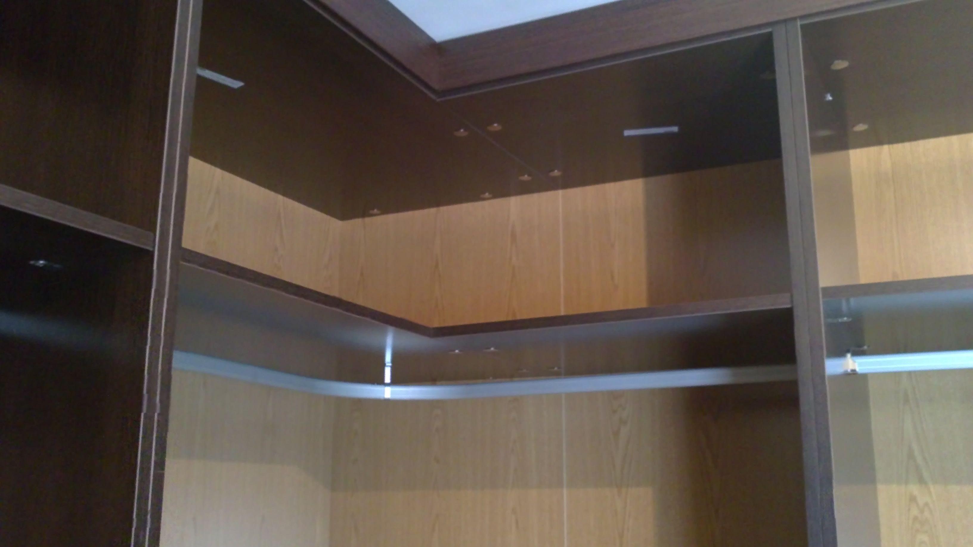 Barra curva en vestidor en l vestidores pinterest bedrooms - Armario en l ...