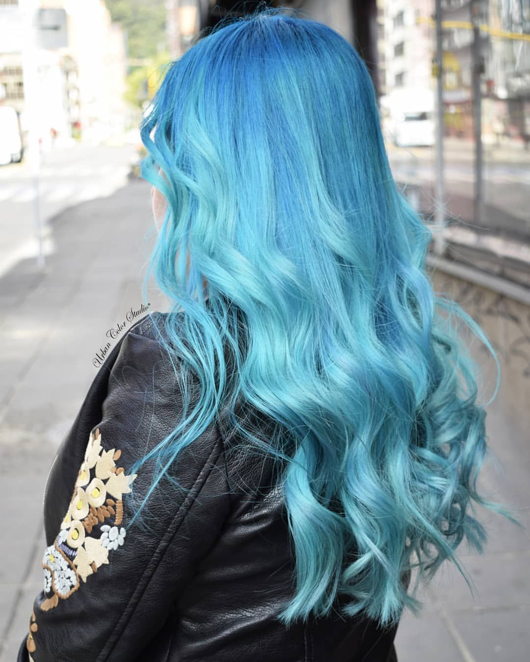 Aquamarine en urbancolourstudio arctic fox hair color