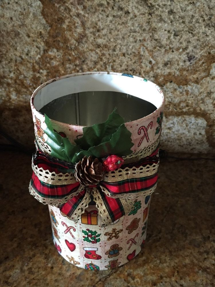 So I Had an Empty Cracker Can..... Canning, Altered