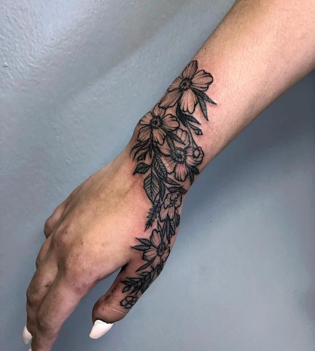 Floral hand if interested in making an apt i am located