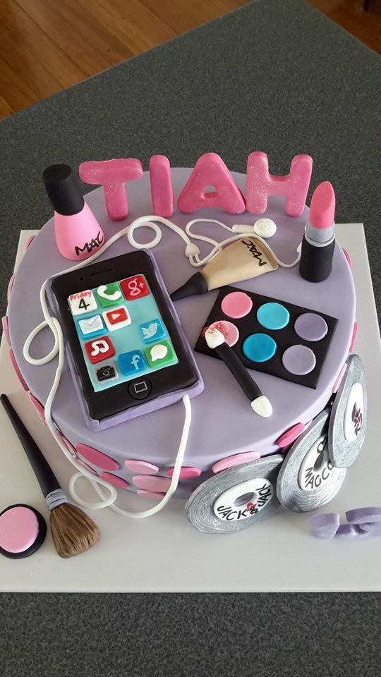 iPhone and makeup cake for a teenager. Cake by Homemade by Hollie.