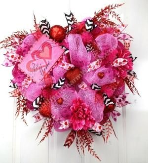Deco Mesh BE MINE VALENTINE Wreath Pink Red Black Chevron Heart Door Wreath by www.southerncharmwreaths.com ON SALE $78 by jodie