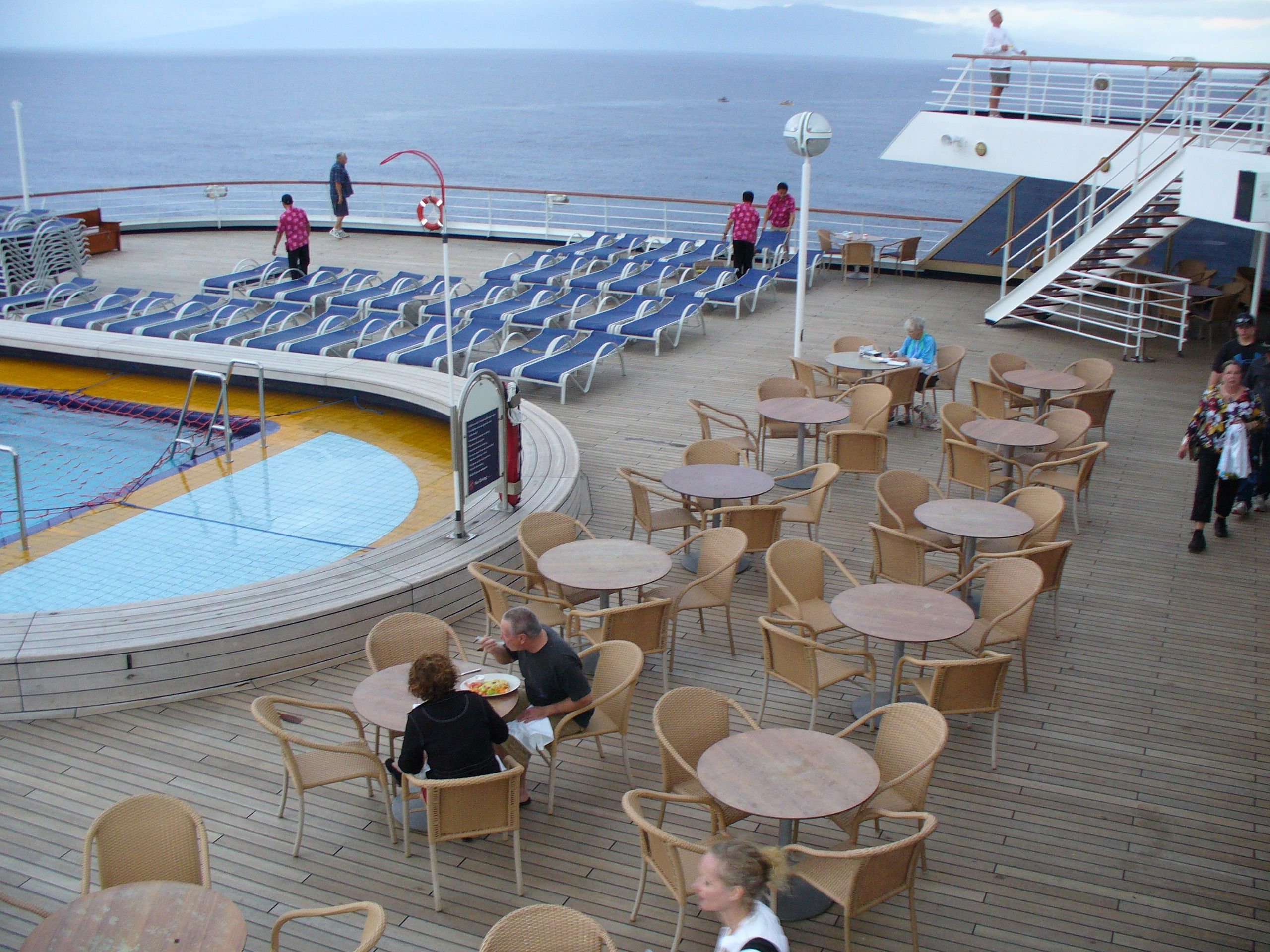 Sea view bar lido deck on holland americas ms zaandam all sea view bar lido deck on holland americas ms zaandam baanklon Gallery