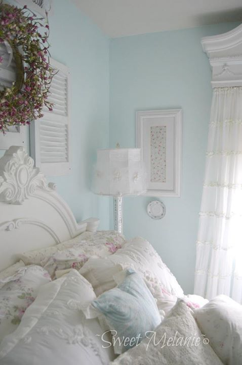 Delicieux Love The Wall Color. Shabby Chic Bedding Sets, Shabby Chic Guest Room,  Shabby