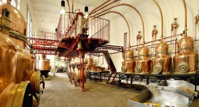 Distillerie de Combier à Saumur #tourisme #campingcar