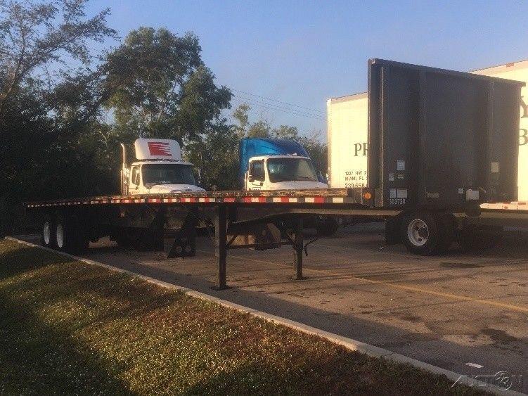 Penske used trucks unit 563728 2009 great dane