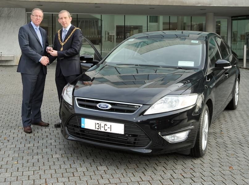 Cork City Lord Mayor Taking Delivery Of A New Ford Mondeo Registration 131 C 1 Ford