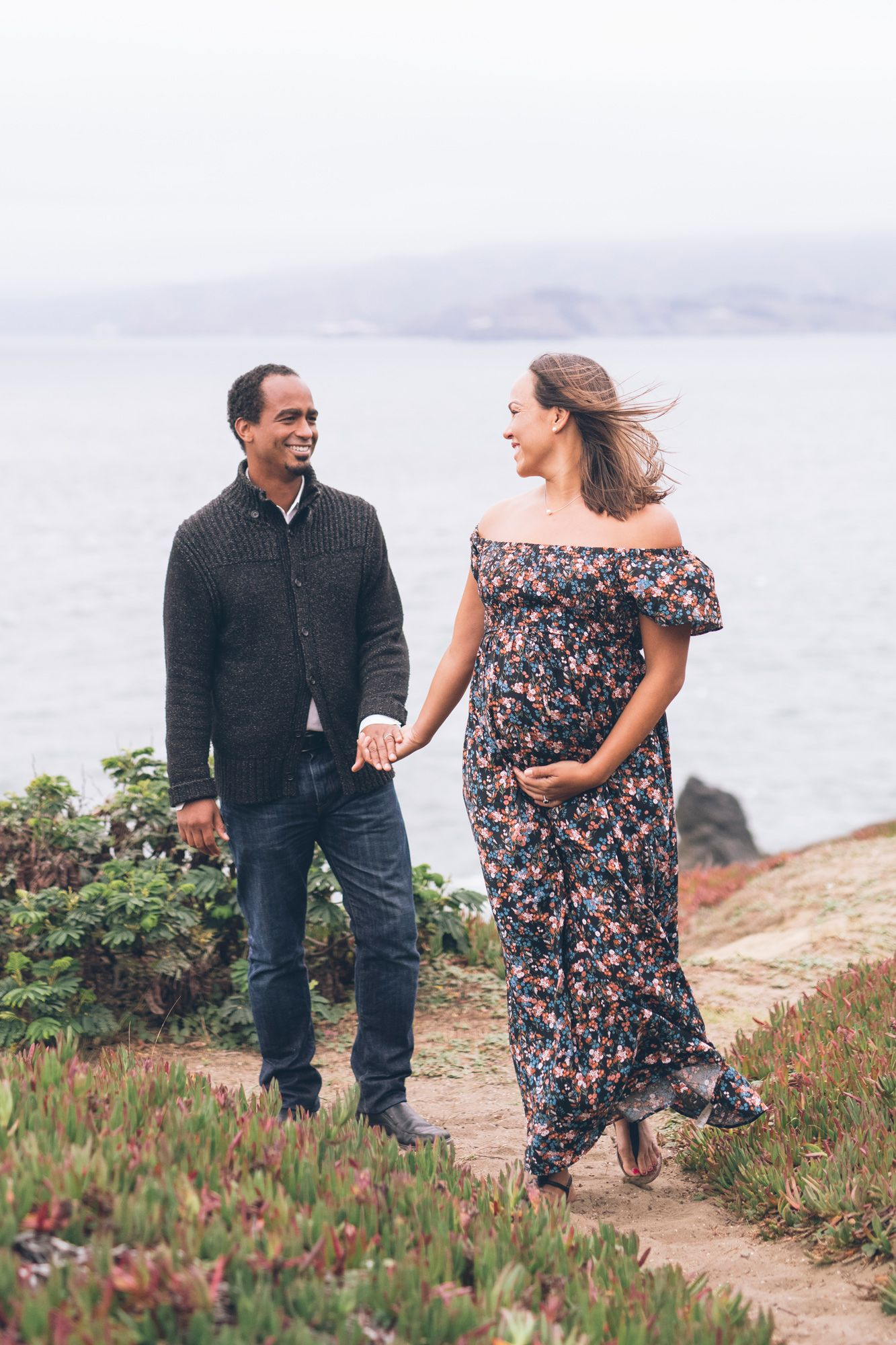 6a17689efe635 Lands End - Best location in San Francisco for a maternity session.  Maternity photoshoot ideas. #sanfranciscophotographer