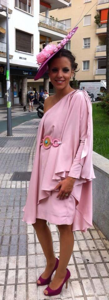 Cinturón terciopelo rosa bebe 30 €. Más colores disponibles. Envíos a toda España