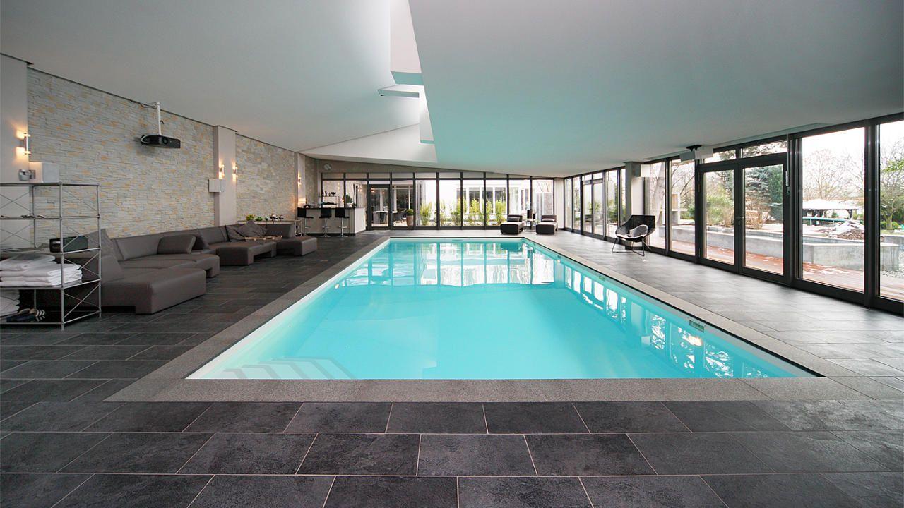 Schwimmbadbauer: www.kuehling-hauers.de Hallenbad zuhause ...