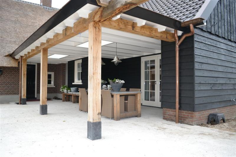 Terrasoverkapping - Renovatie van woonboerderij in Zwartebroek   Bouwen in Stijl