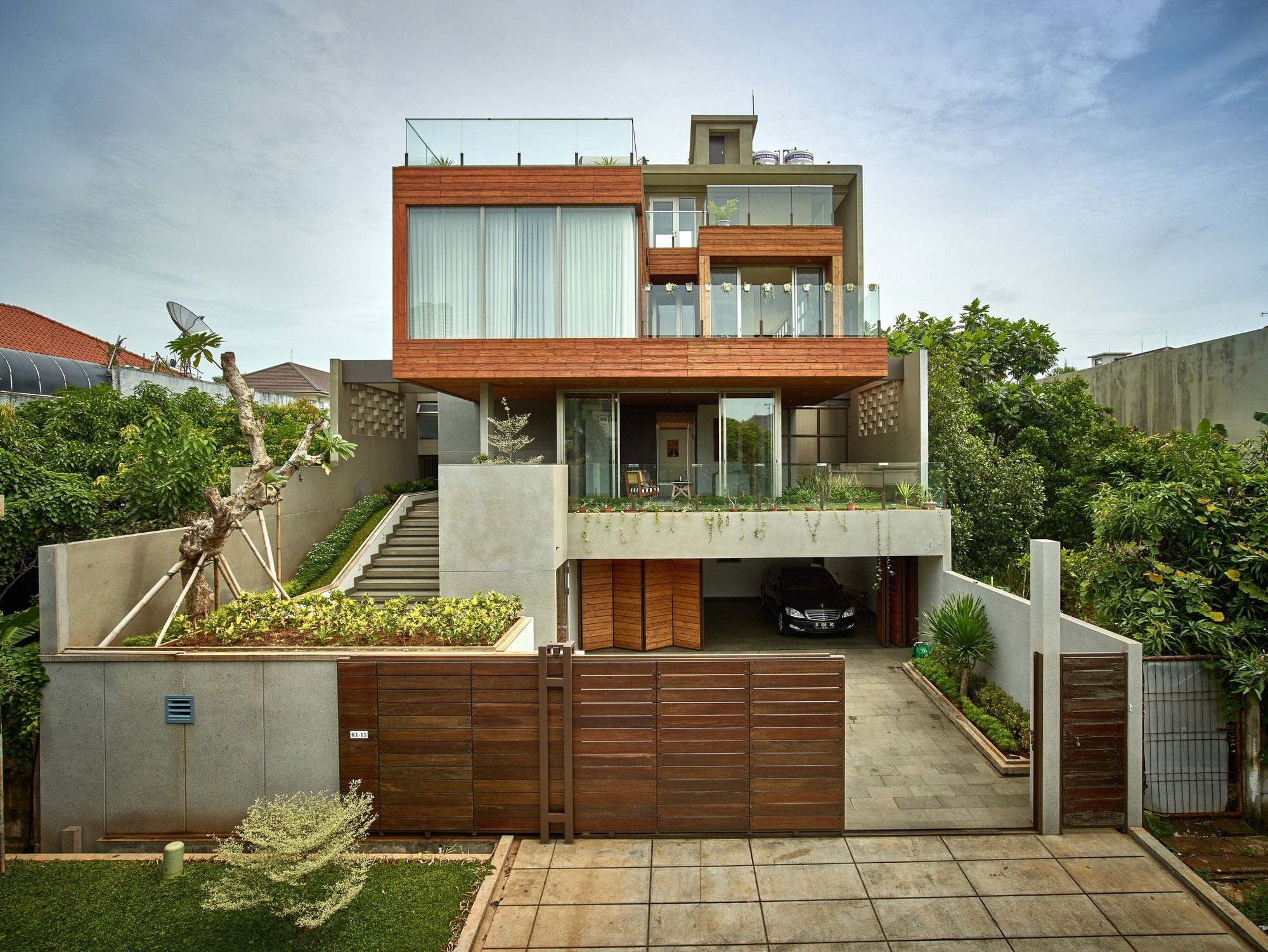 Wirawan House Raw Architecture House Exterior Tropical House Design Modern Tropical House