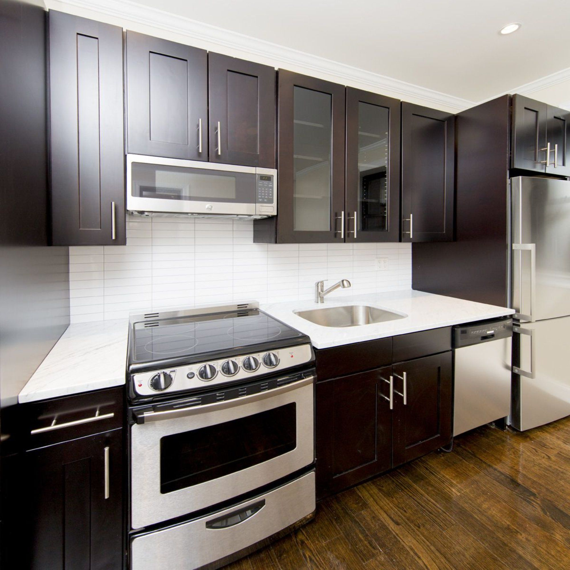Beautiful Two Bedroom in Prime Upper East Side for 3600
