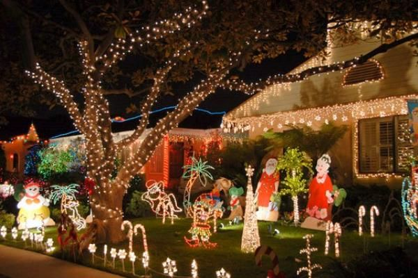 Cute Outdoor Christmas Decorations With Bright Lights In Unique