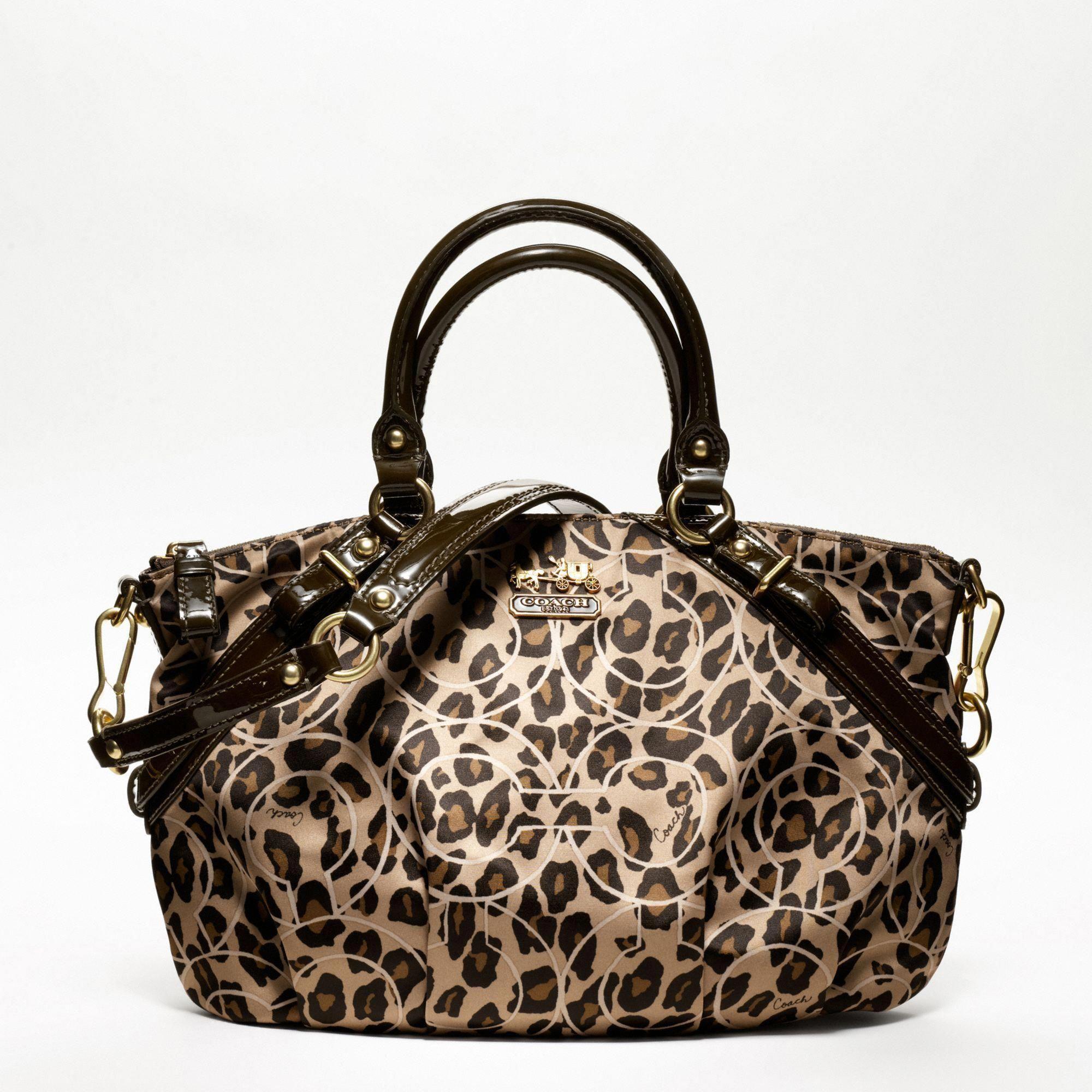 530b9b72ea Loving this Coach bag!  Designerhandbags. Loving this Coach bag!  Designerhandbags  Handbags On Sale