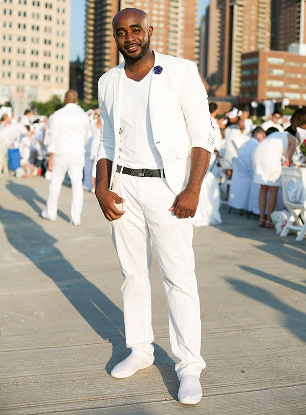 All White Everything: On the Scene at New York's Dîner en Blanc: Street Style : Details