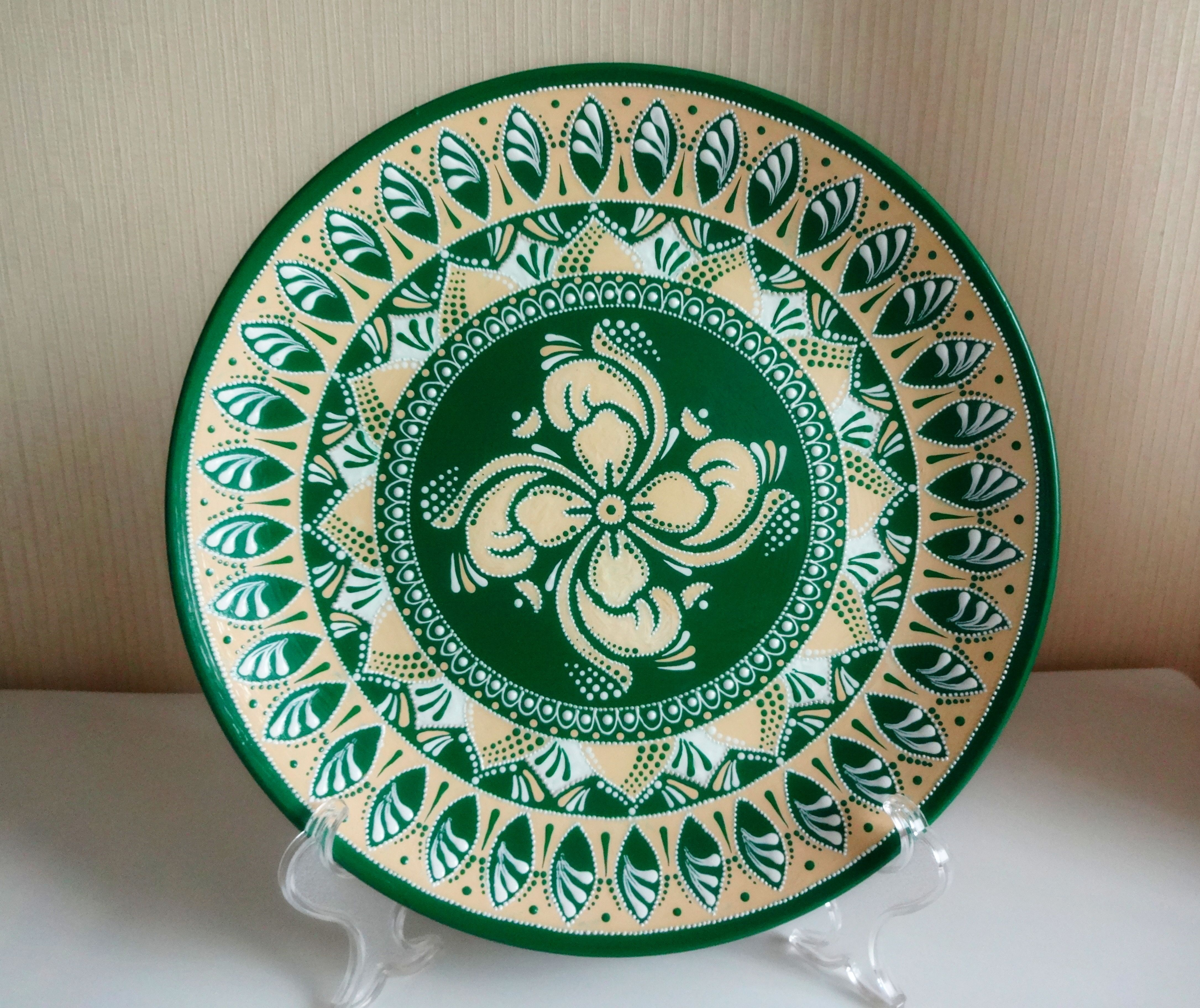 Decorative Plates For Hanging Large Decorative Plate Colorful Plates Ceramic Plates Paint Hand Painted Plates Mandala Plates Majolica Plates In 2021 Decorative Plates Hand Painted Plates Painted Plates