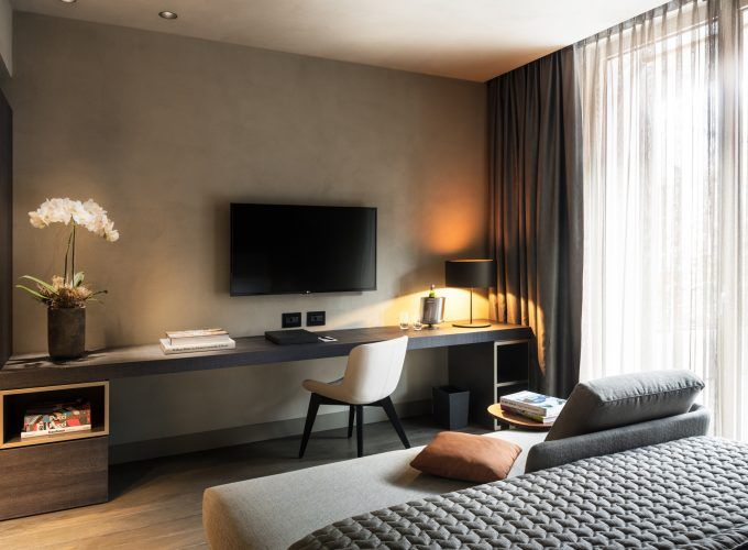 Hotel viu milan molteni c contract division rest for Hotel room decor