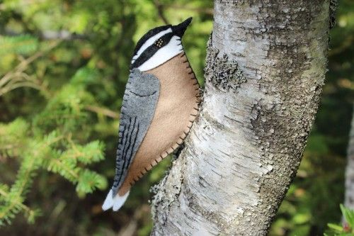 A red breasted nuthatch felt ornament pattern free to download.