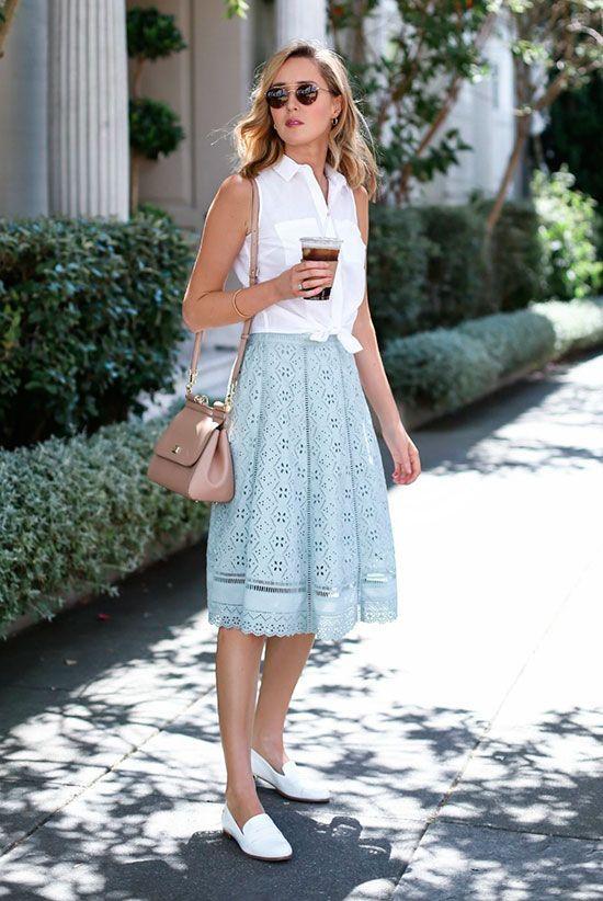 #amp #frische #midiskirtoutfit #outfits #schicke #sommer #work 20+ Fresh & Chic Summer Work Outfits: Modeblogger & # 39; Memorandum & # 39; trägt ein ärmelloses Hemd mit weißer Krawatte vorne, einen Midi-Rock aus Minzspitze, weiße Slipper, eine errötende Umhängetasche und eine gerundete Pilotenbrille. Work Outfits, Sommer Work Outfits, Outfits für die Arbeit, Büro Outfits, Bürokleidung, einfache Work Outfits, Work Outfits 2017, bequeme Work Outfits, frische Work Outfits. #chicsummeroutfits