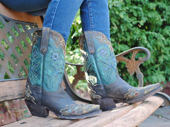 f119bde0350 Pin by Love Those Boots on Women's Boots Model | Dan post boots ...