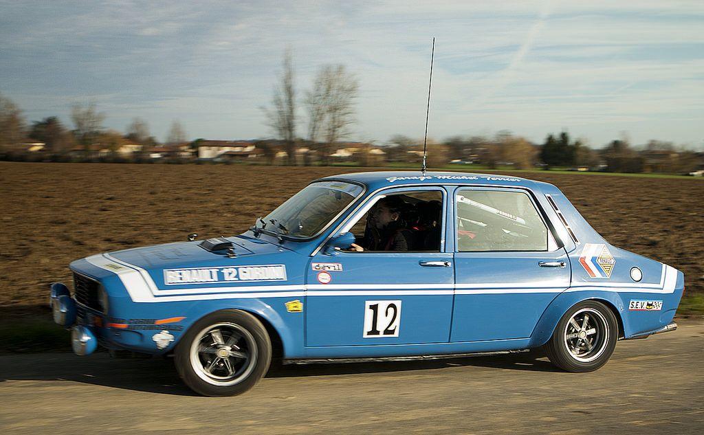 https://flic.kr/p/BWHAfM | Voitures de Sport Ambérieux d'Azergues 2015-12 | Renault 12 Gordini