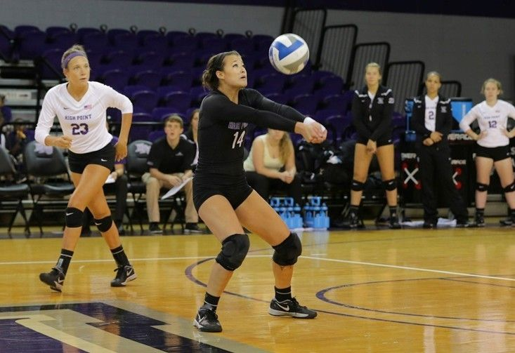 Chins Post Huge Night As Panthers Best Loyola 3 1 Volleyball News Athlete High Point University