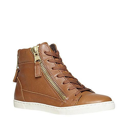9974571b5c Looking for a pair of comfy and cute sneakers to go with leggings in the  fall. So that I can occasionally go beyond yoga pants.  )
