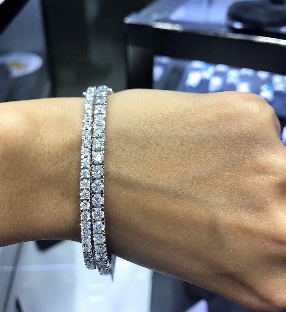 Which One Of These Stunning Diamond Tennis Bracelets Is 5 Carats And Which One Is 7 Carat Diamond Tennis Bracelet Diamond Sparkly Bracelets Luxury Bracelet