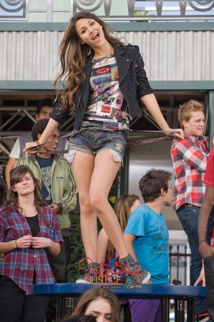 V návaznosti na radu gal-pal Taylor Swift, herečka-zpěvačka, Selena Gomez, také.